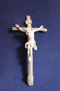 scultura cristo in cirmolo