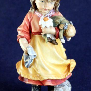 Scultura bambina con bambola variante colorata