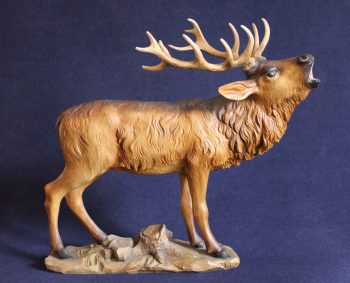 Scultura in legno cervo