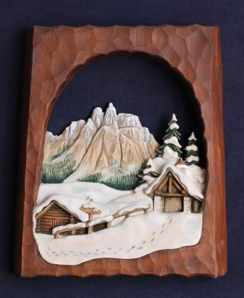 """Bassorilievo in legno """"la chiesetta alpini"""""""