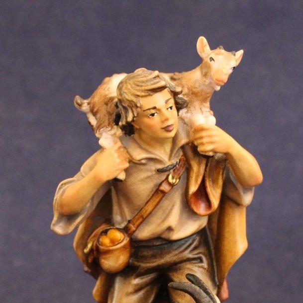 La statuina del presepe Pastore con capra e capretto