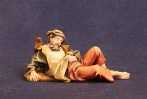 Il pastore dormiente. Statuina del presepe tradizionale dipinta con colori ad olio