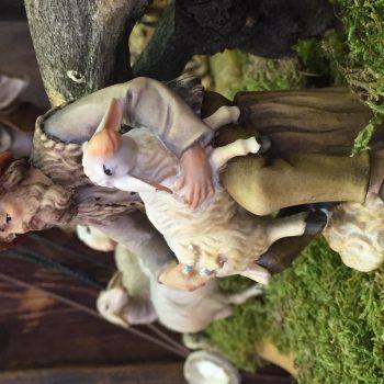 Statuina per il presepe in legno dipinto a mano del Pastore tosatore