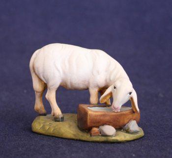 Statuina presepe pecora all'abbeveratoio