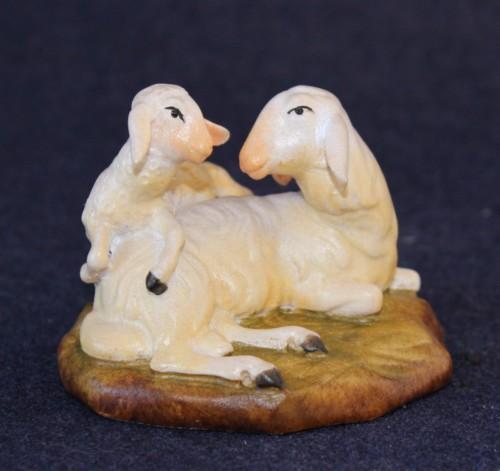 statuine presepe in legno pecora sdraiata con agnellino